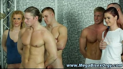 Bisexual threesome of hunks and sluts