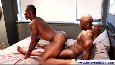 Amateur ebony fucking her tight butt in high def