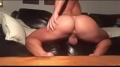 HUGE ASS Bodybuilder Play With Himself So Hot